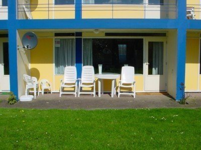 website-terras-met-tuinset
